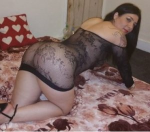 Naouale amateur wife escorts Skelmersdale
